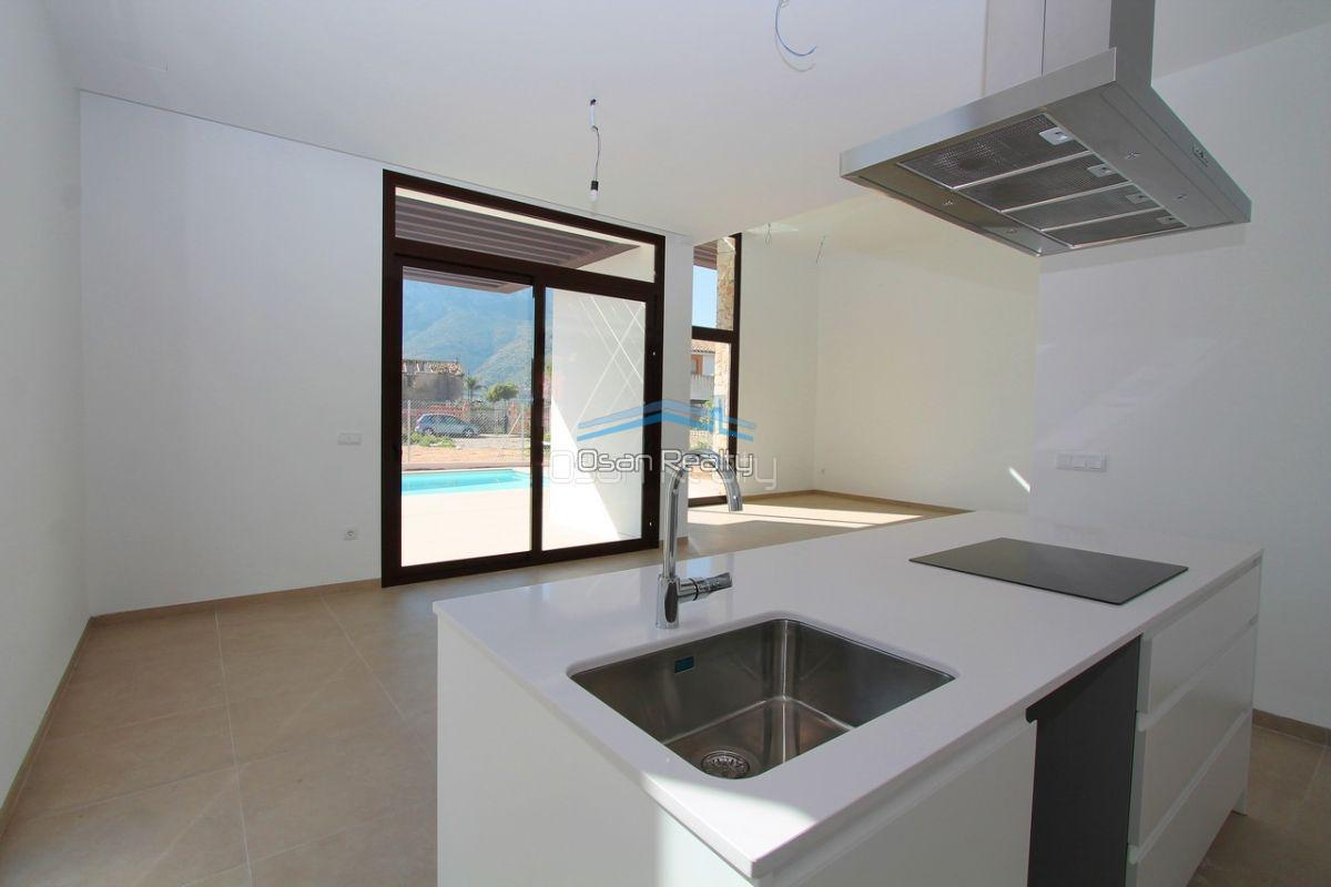Villa for sale in El Verger 11725