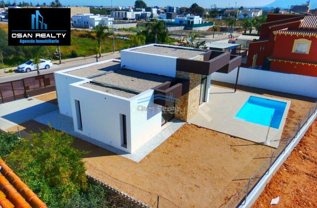 Villa for sale in El Verger 11732