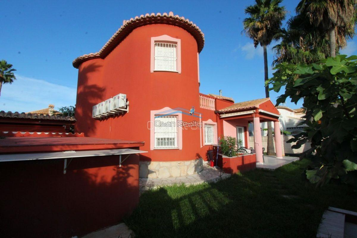 Villa for sale in Denia 12118