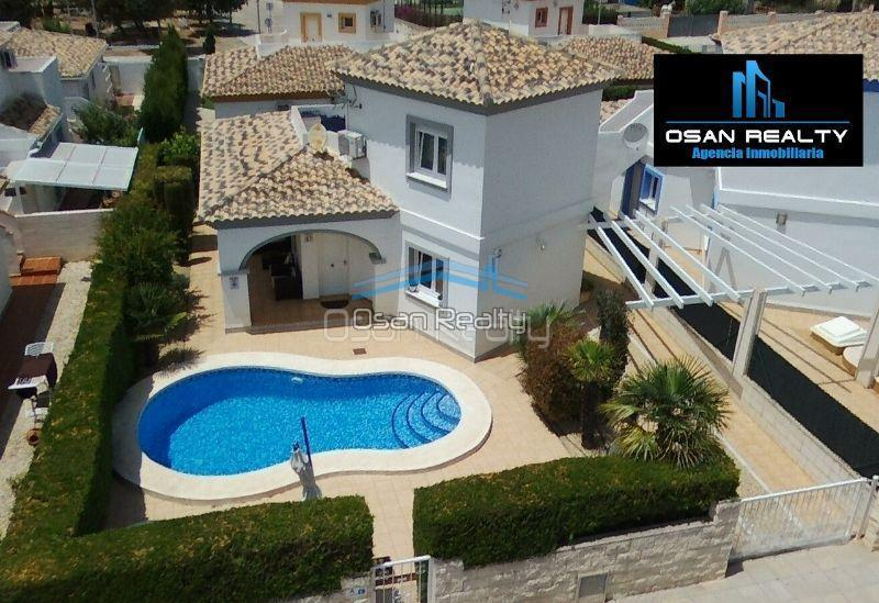 Villa for sale in El Vergel 12311