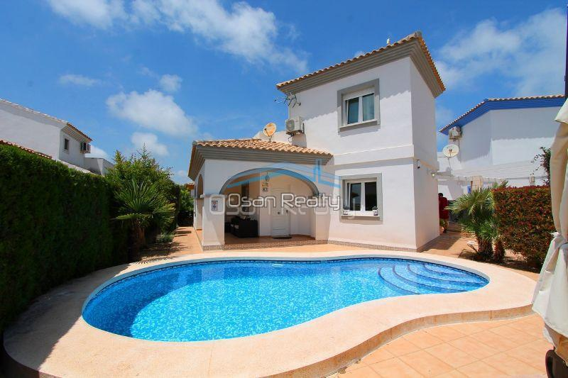 Villa for sale in El Vergel 12313