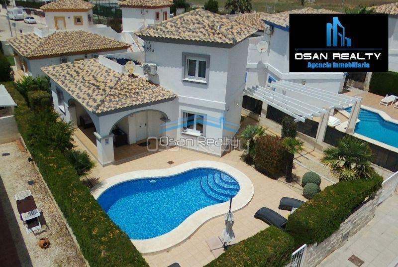Villa for sale in El Vergel 12317