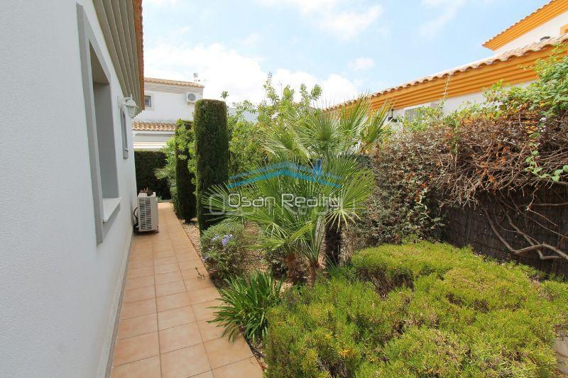 Villa for sale in El Vergel 12329