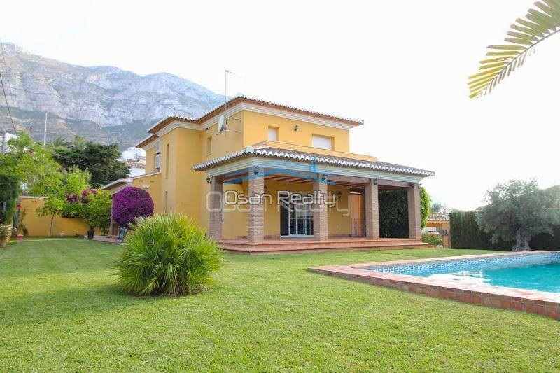 Villa for sale in Denia 13275