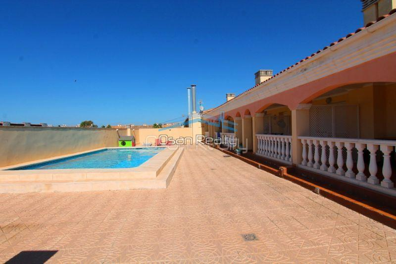 Townhouse for sale in Denia 13732