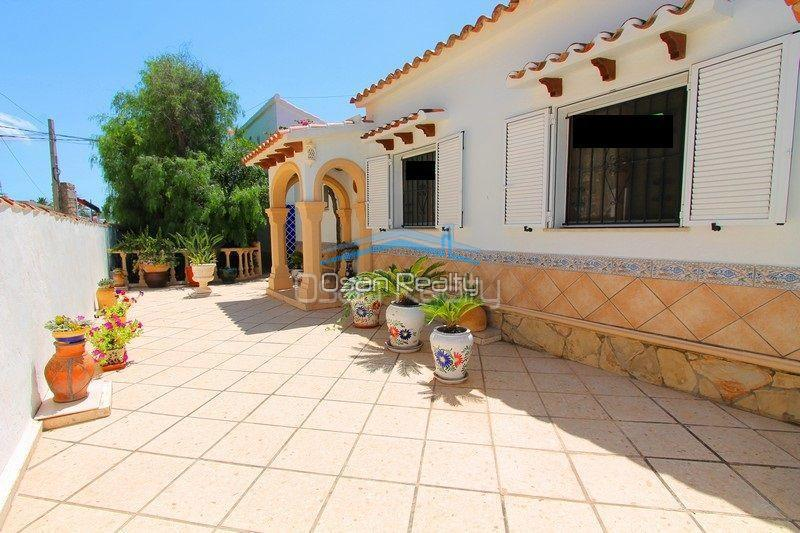 Villa for sale in Els Poblets, first line 13792