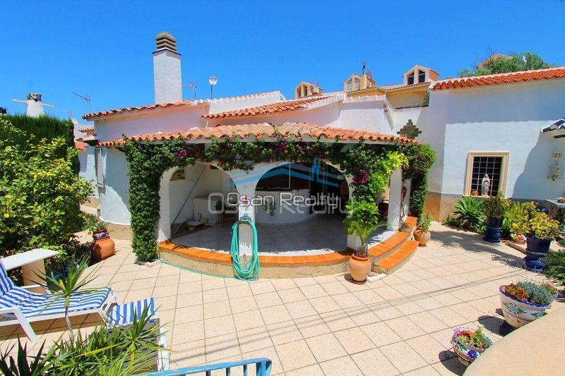 Villa for sale in Els Poblets, first line 13797