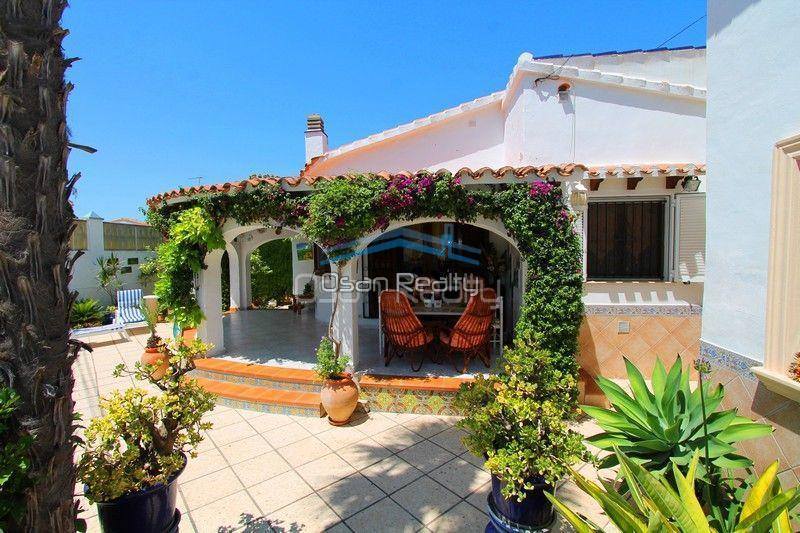 Villa for sale in Els Poblets, first line 13818