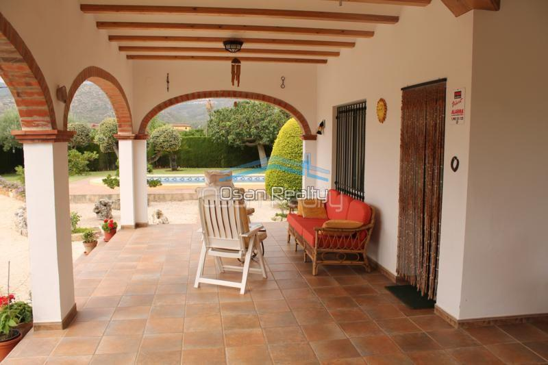 Villa for sale in Pedreguer 14188