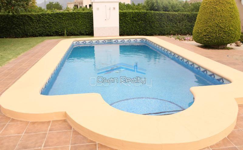 Villa for sale in Pedreguer 14189