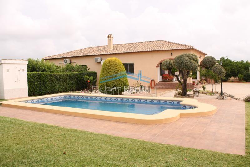 Villa for sale in Pedreguer 14191