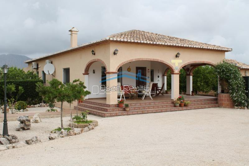 Villa for sale in Pedreguer 14192