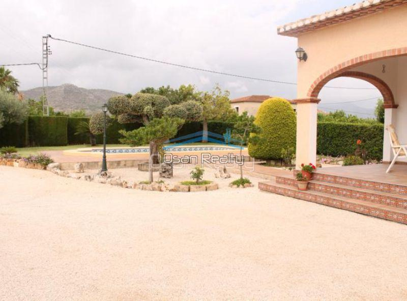 Villa for sale in Pedreguer 14193