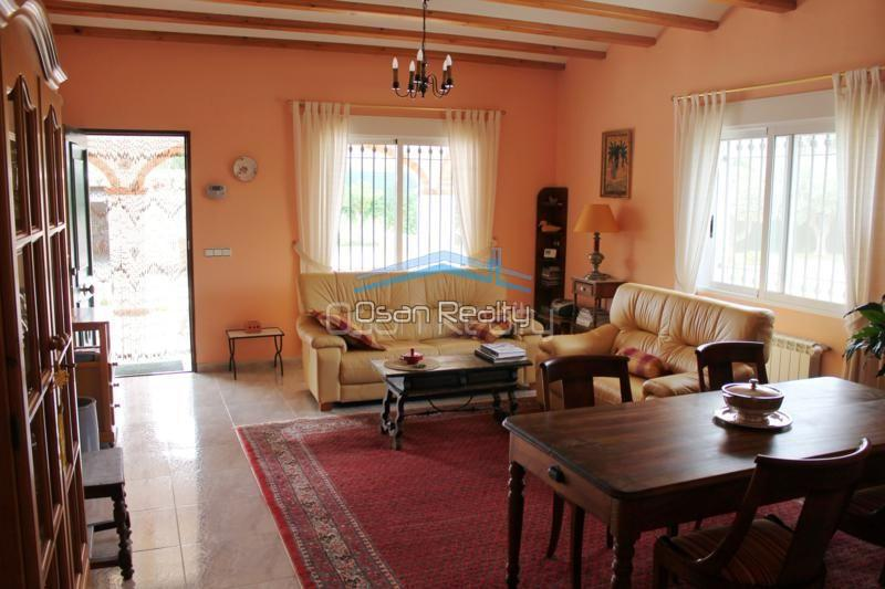 Villa for sale in Pedreguer 14194