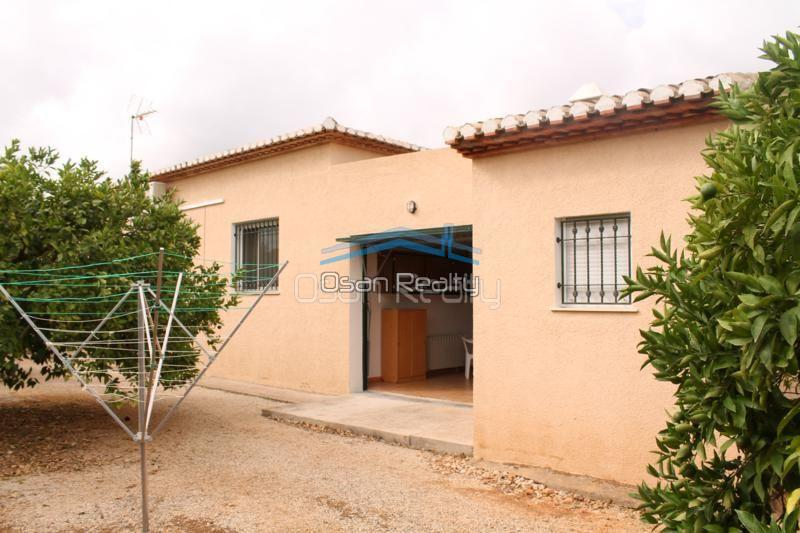 Villa for sale in Pedreguer 14206