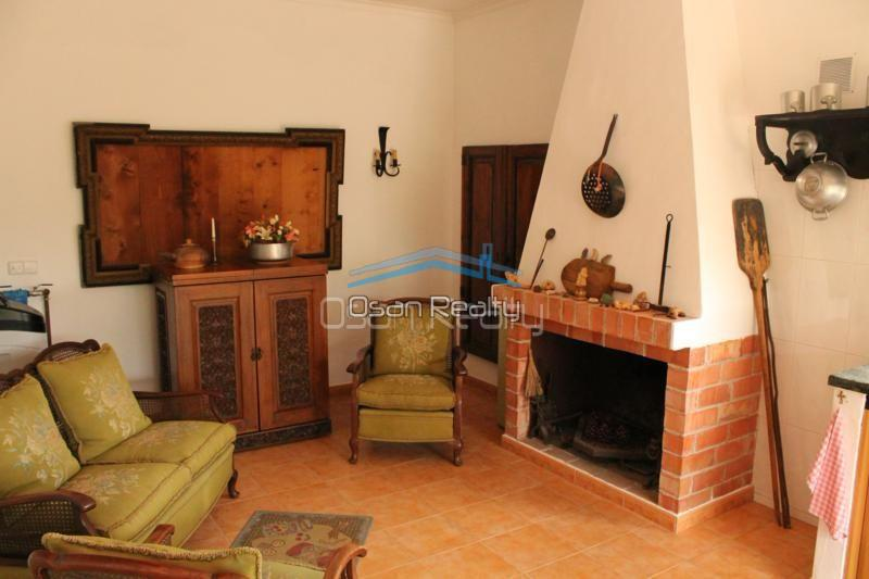 Villa for sale in Pedreguer 14218