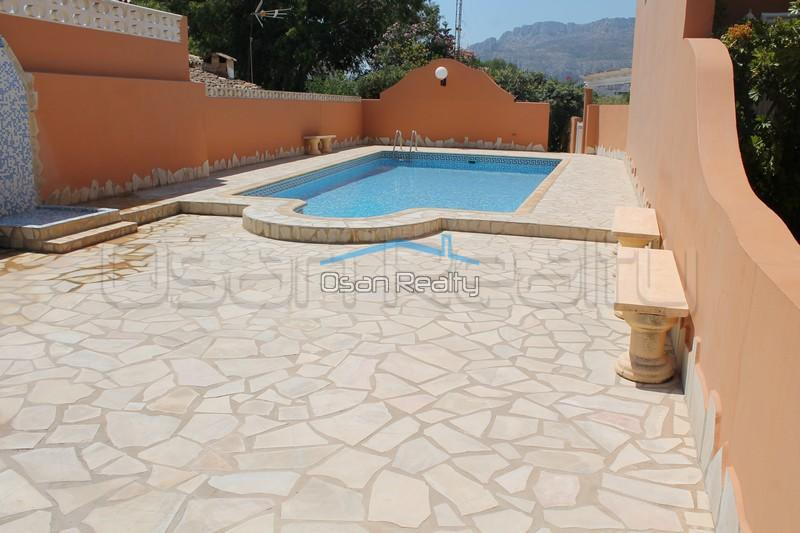 Townhouse to rent in Denia 824