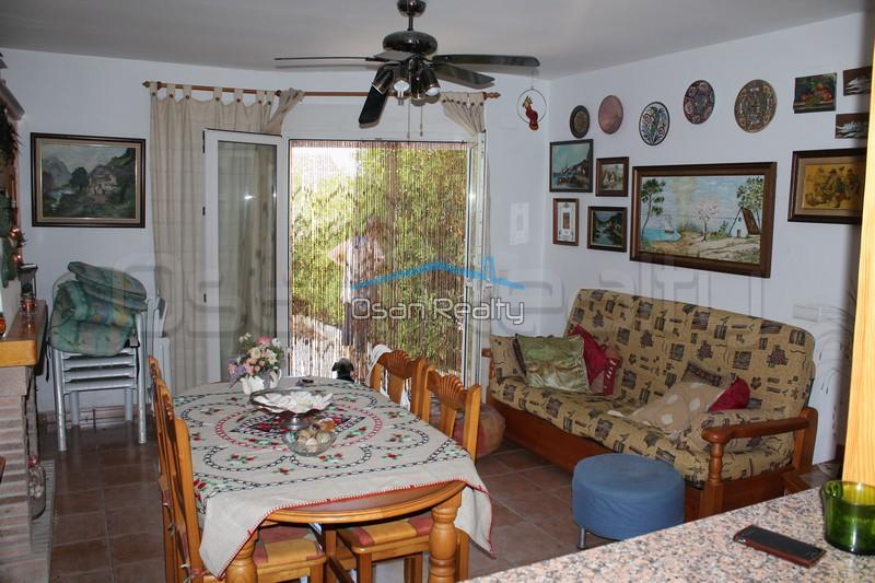 Townhouse to rent in Denia 826