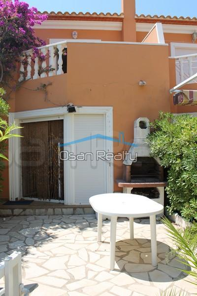 Townhouse to rent in Denia 828