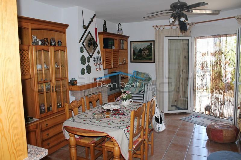 Townhouse to rent in Denia 830